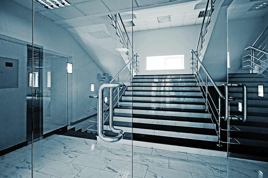 Toughened Safety Glass in Commercial Complex